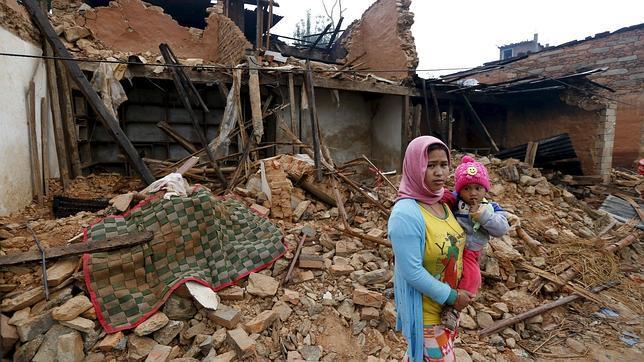 24 muertos deja nuevo terremoto de magnitud 7,3 en Nepal