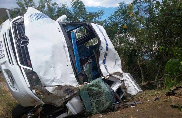 Accidente de buseta en el Valle dejó 15 personas heridas