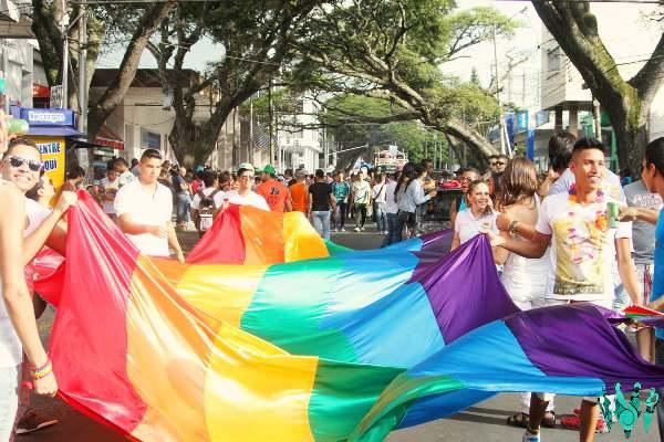 Orgullo LGTBI también marchará este domingo con el Pride Cali 2015