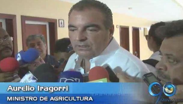 Ministro de Agricultura evalúa crisis por daño ambiental en Tumaco