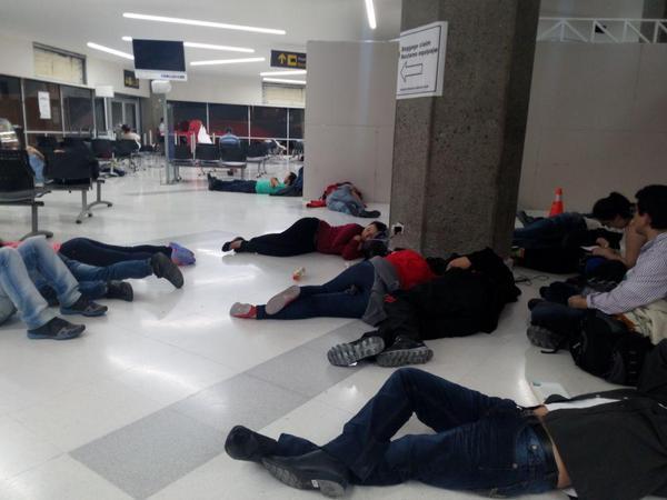 150 pasajeros amanecieron en el aeropuerto Alfonso Bonilla