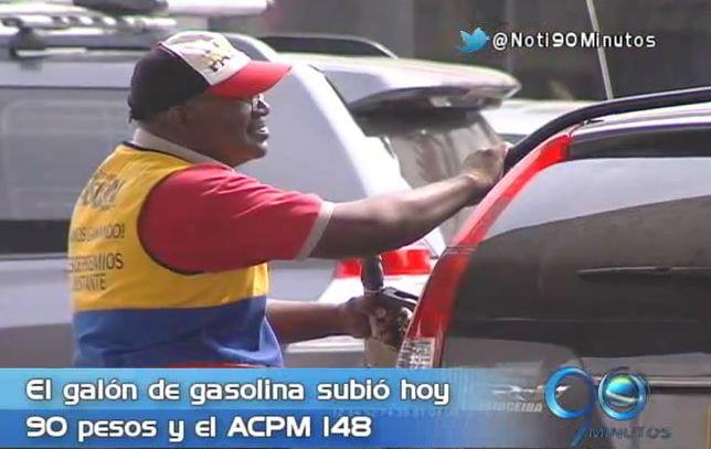 Gasolina aumentó de precio a pesar de promesas de reducción
