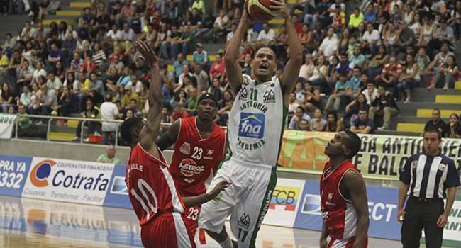 Astros Blanco del Valle empezaron con pie derecho en su regreso al baloncesto
