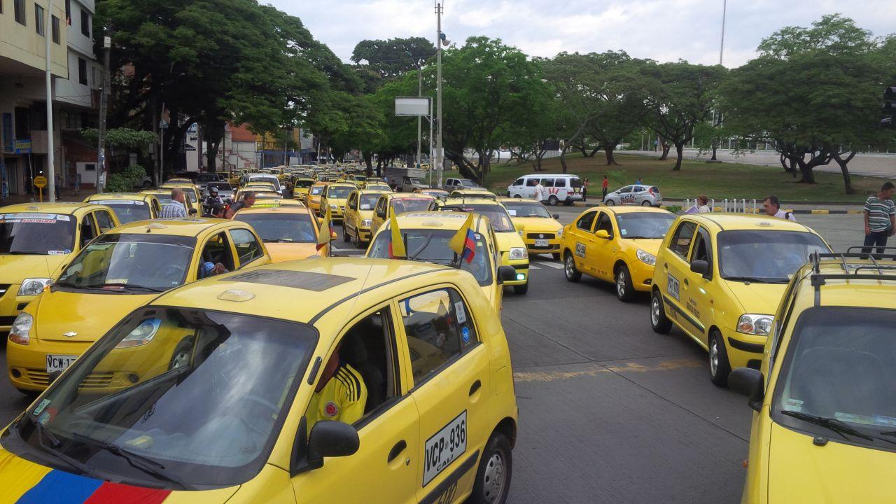 Taxistas protestaron de nuevo por 'la competencia desleal'