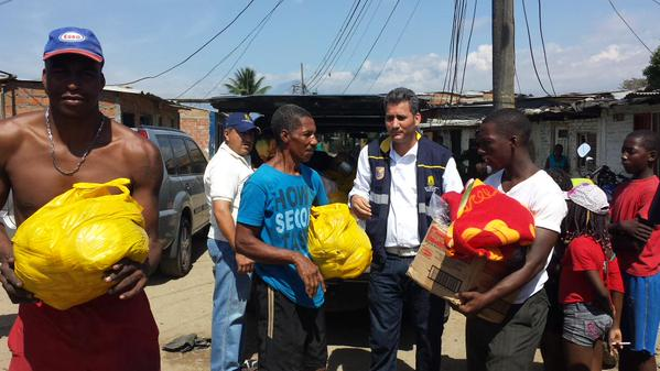 Entrega de ayudas a damnificados por incendio en Comuneros I