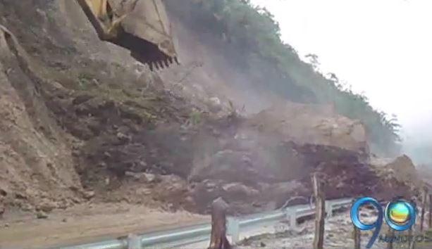 Derrumbes tienen incomunicado al oriente del departamento del Cauca