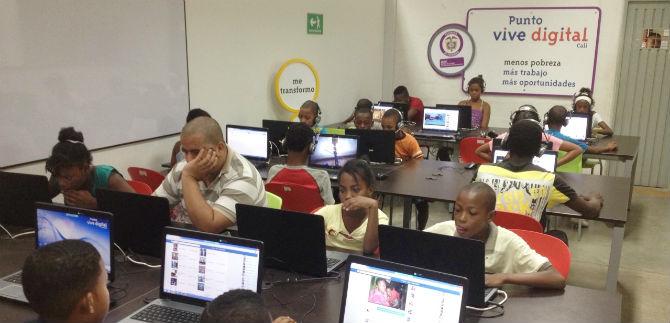 Habitantes del barrio Desepaz cuentan con nuevo Punto Vive Digital