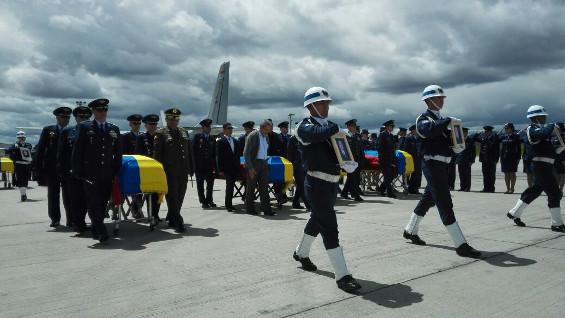 Fueron despedidos militares muertos en accidente aéreo