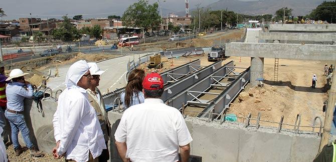En un 78 por ciento avanza puente de la Avenida Ciudad de Cali