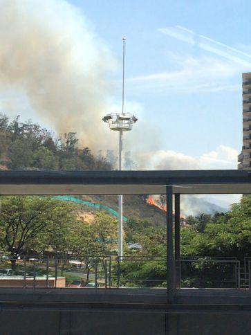 Dos incendios fueron controlados en la mañana del jueves por los Bomberos