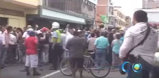 Protestas en Cartago por deficiencia en el servicio de las empresas municipales