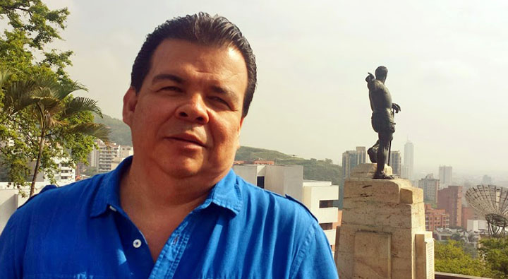 Se esclarece supuestos vínculos contractuales del candidato Roberto Ortiz