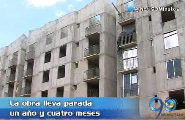 Beneficiarios de Altos de Santa Elena llevan un año esperando sus viviendas