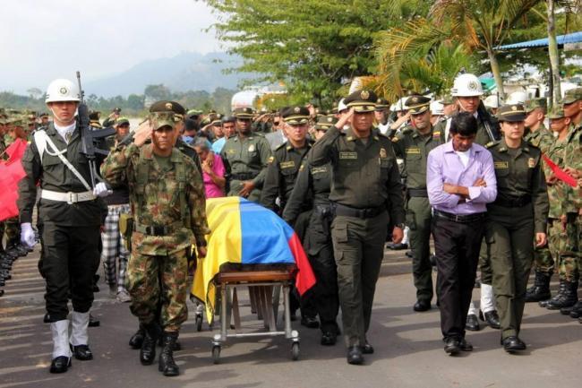 Los 16 uniformados fallecidos no fueron impactados por bala