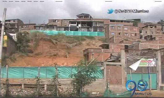Vecinos de una obra en Los Chorros denuncian peligro de derrumbe