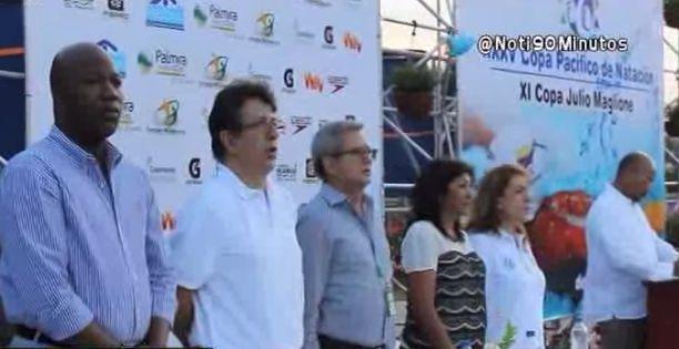 Siete países compiten en la Copa Pacifico de Natación