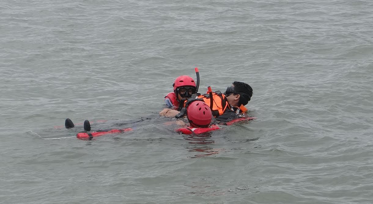 Centro de salvamento del pacífico entrena en buenaventura ante emergencias en el mar