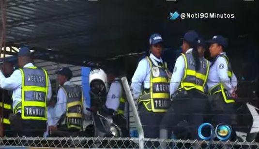 Guardas de tránsito de Buenaventura entraron en paro