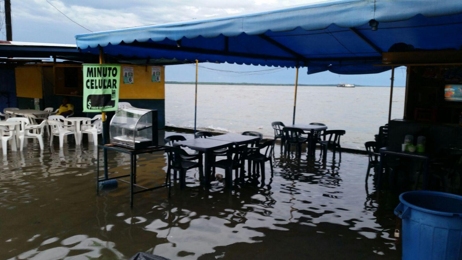 Mareas altas dejaron damnificados y estragos en Buenaventura
