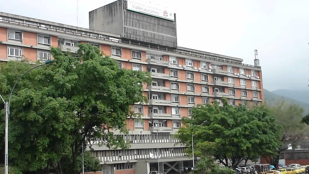 Pacientes afectados por el cierre de la antigua clínica Rafael Uribe Uribe