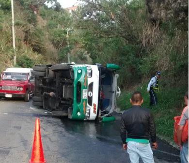 Accidente de bus en la vía al mar dejó diez lesionados