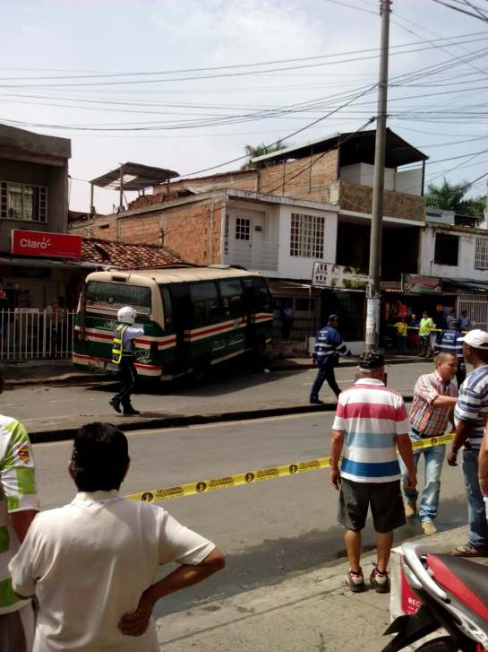 Accidente en el barrio La Rivera deja tres personas lesionadas