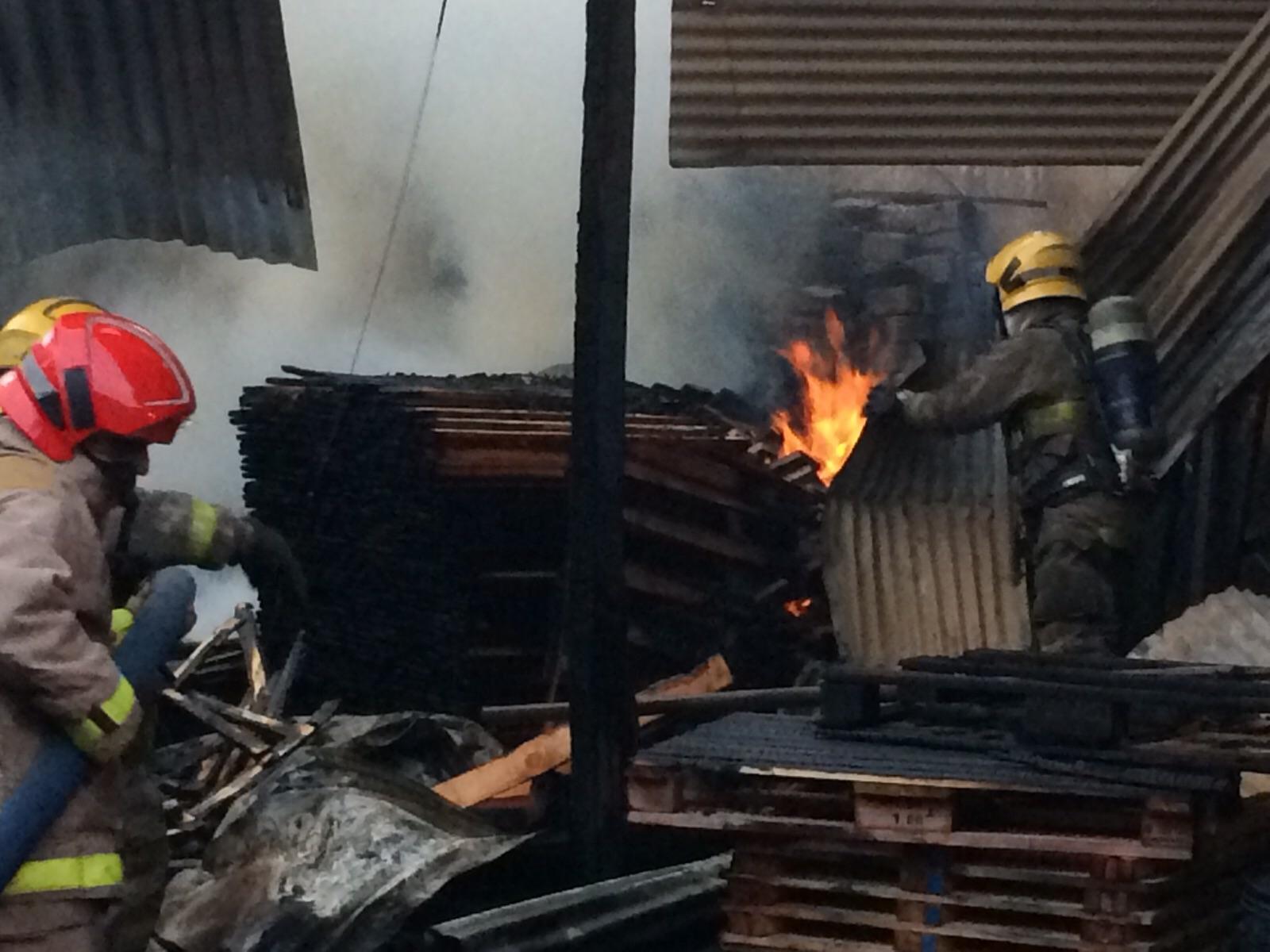 Incendio en zona industrial de Yumbo afectó oficinas de ProEstibas