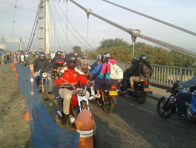 Congestión tras nuevo cierre parcial del puente de Juanchito