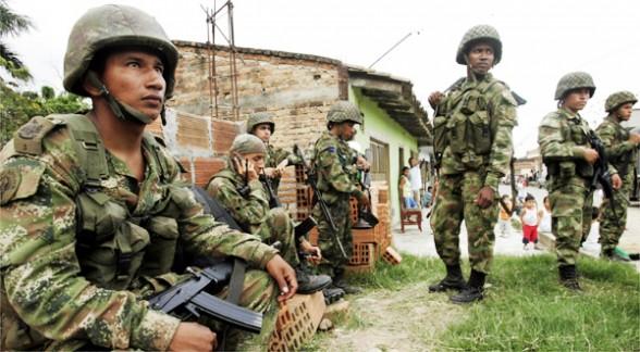 Tres uniformados resultaron heridos por una mina antipersona