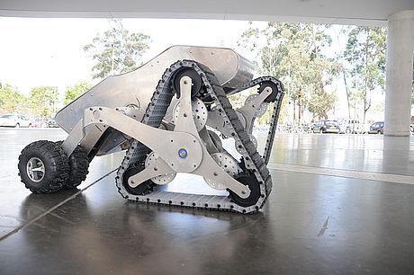 Firebot, un robot diseñado para apoyar a los bomberos en Colombia