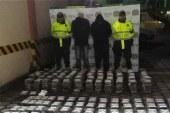 Incautan droga en buses que transportaban hinchas colombianos a Chile