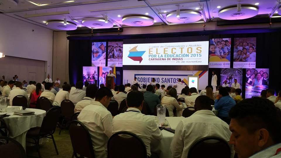Santos se reunió con gobernadores y alcaldes electos