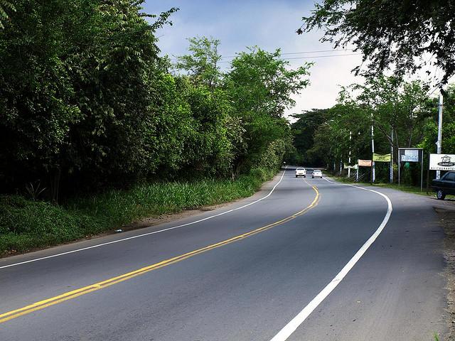 Cierran vía Cali-Yumbo por implementación de puente peatonal