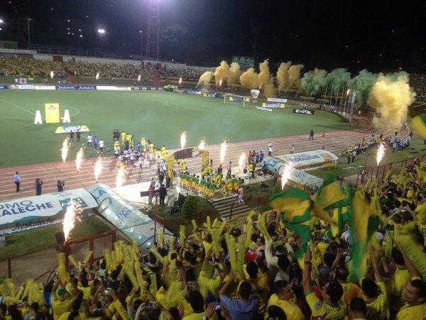 """Bucaramanga venció a Universitario y acabó con 7 años de """"infierno"""" de la B"""