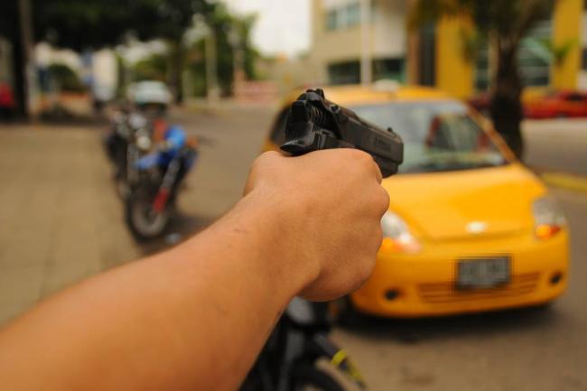 Capturados en Palmira dos delincuentes por presunto hurto a un taxista