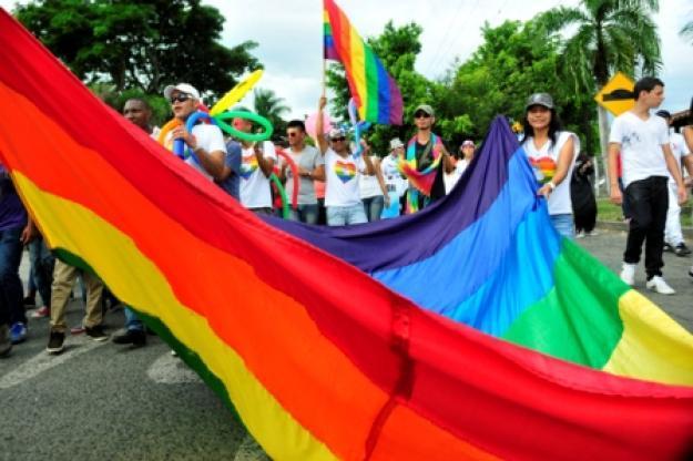Corte Constitucional aprobó la adopción en parejas homosexuales