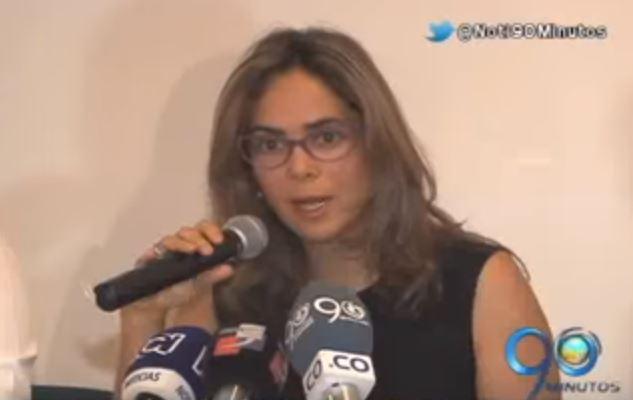 Secretario de Educación rechazó críticas de la ministra, Gina Parody