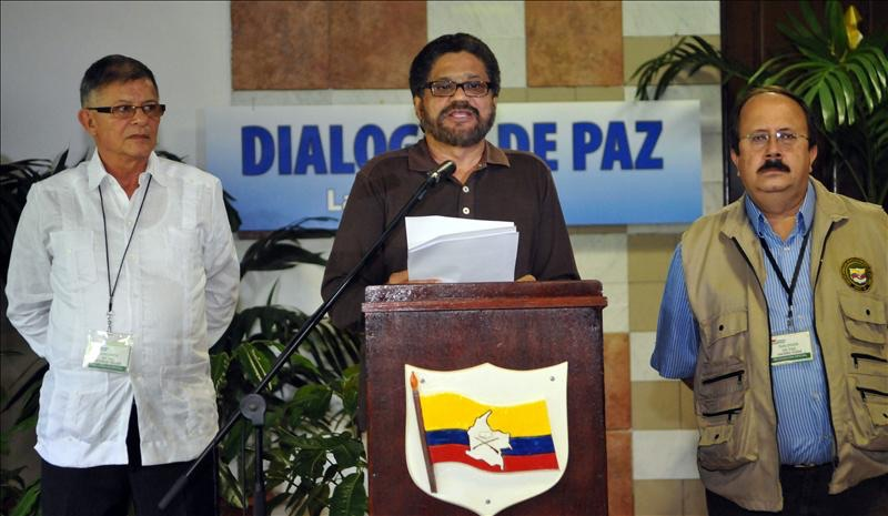 FARC anuncia que peligra la tregua por ofensiva militar