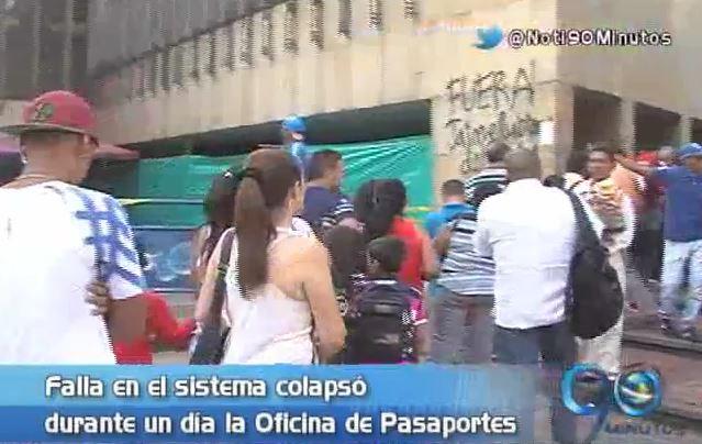 Falla en el sistema generó colapso en la Oficina de Pasaportes del Valle