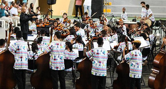 La música da un SI mayor a niños colombianos desplazados