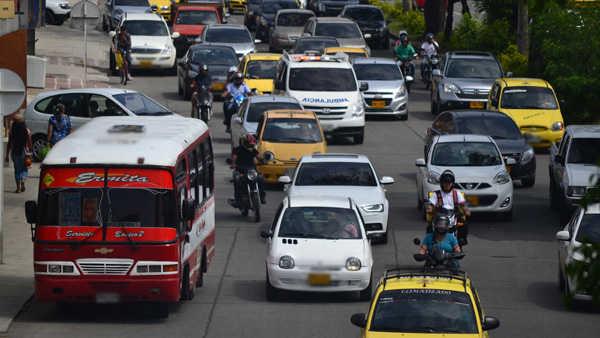 Conductores morosos, a ponerse al día con multas de tránsito