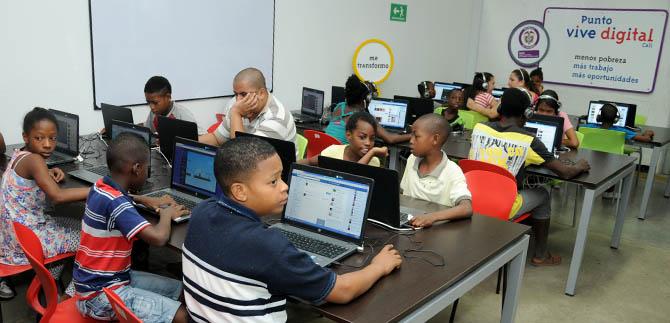 El MinTIC entregará 5 mil computadores y tabletas en colegios de Cali