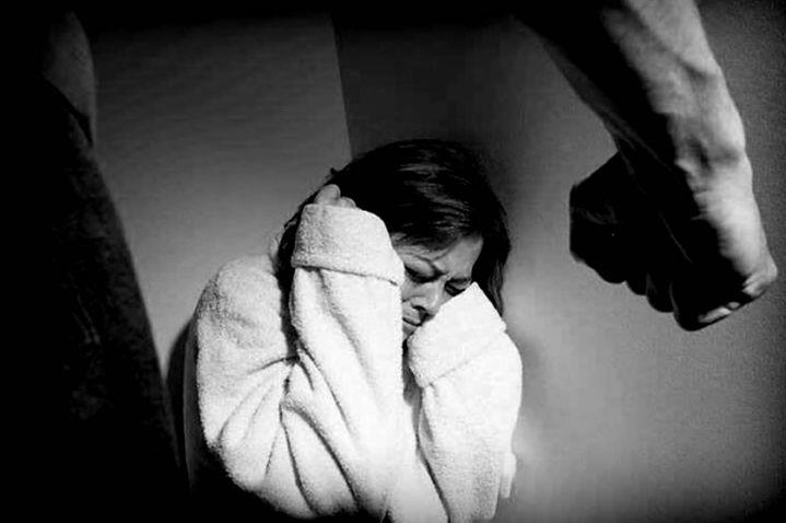 Un sujeto fue enviado a la cárcel por golpear a su pareja por celos