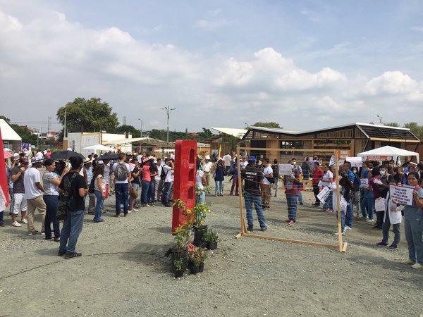 Manifestación de Estudiantes de Univalle en la Solar Decathlon