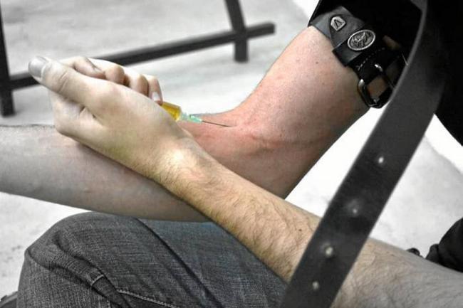 Kits de consumo para adictos a la heroína, una realidad en Cali