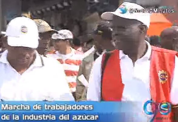 Más de 5 mil trabajadores azucareros marcharon en defensa de sus empleos