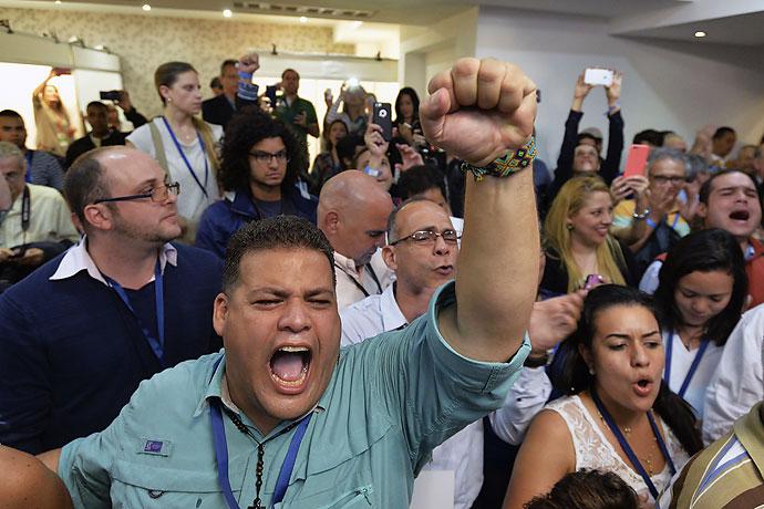 Venezolanos en Cali opinan de la victoria de la oposición