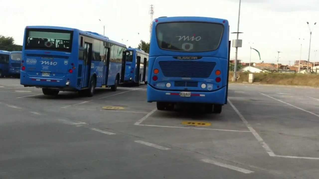 Paro de operador de Unimetro dejó 85 buses sin circulación