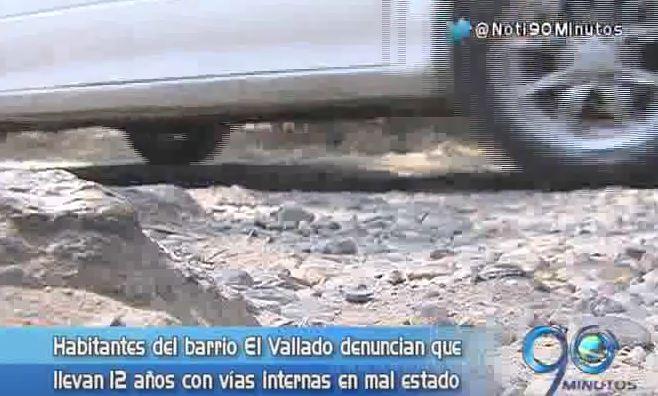 Habitantes del barrio El Vallado reclaman pavimentación de sus vías
