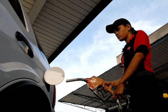 Gasolina y ACPM bajarán de precio en Colombia, a partir de febrero